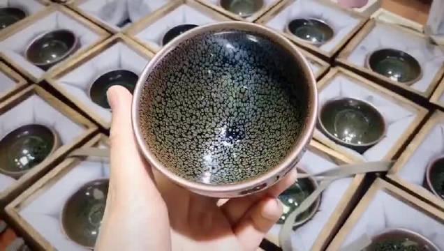 非遗传承人陈慧敏                 ——浮萍绿鹧鸪斑