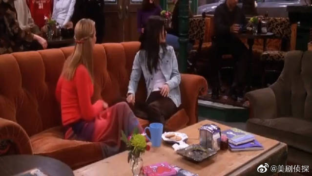 老友记:菲比和莫妮卡聊天,得出结论放荡是得不到真爱