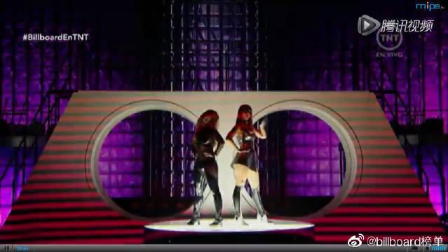 布兰妮和iggy Azalea精彩表演《Pretty Girls》