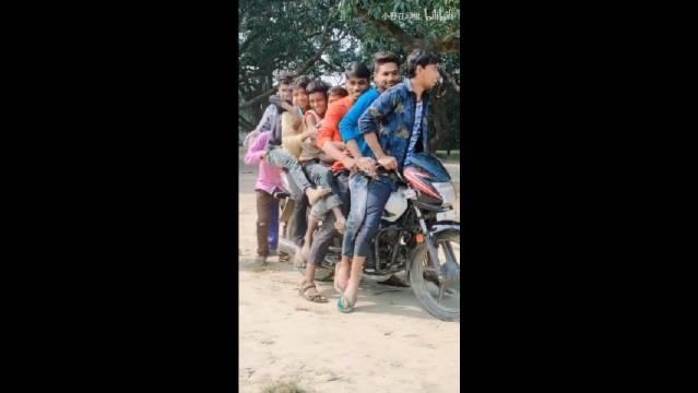 印度人骑摩托,看到最后我都方了,这摩托车质量真好
