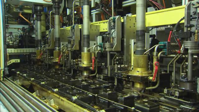 视频:高端智能制造欣赏:宝马4缸和6缸柴油发动机的制造生产组装过程实拍