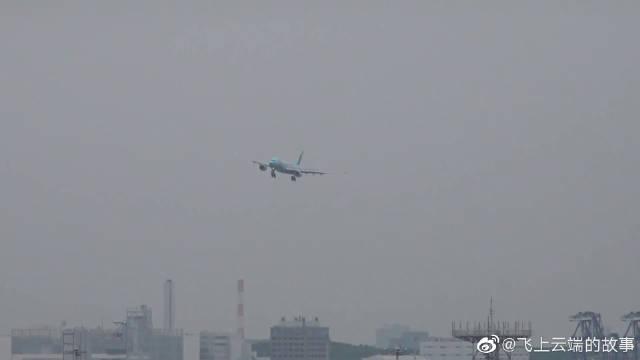 """中国东方航空-""""迪士尼,皮克斯玩具总动员""""彩绘(空客A330-300)"""