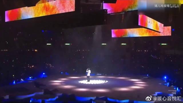 Eason陈奕迅翻唱《倾城》,一首许美静经典老歌