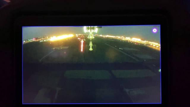 刚刚,@东方航空 大兴首航航班MU7098顺利降落上海浦东国际机场。