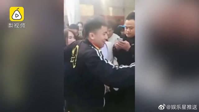 一口方言接地气!王宝强为宠物博览会站台,成家乡形象大使