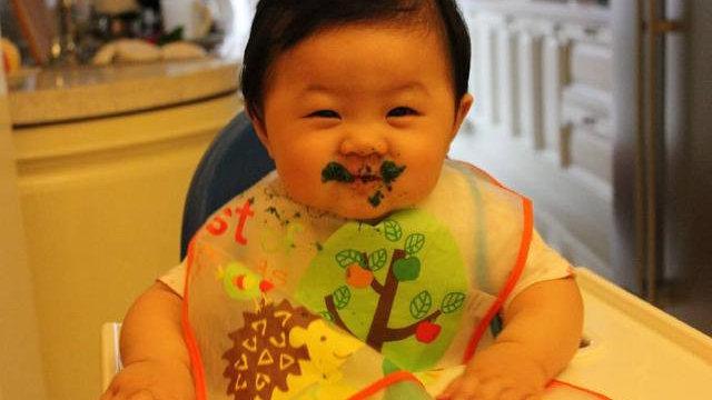 尽可能满足孩子对食物的要求,睡前这样做反而不好,注意孩子饮食