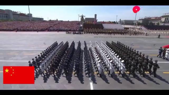 中国阅兵在国外火了,这堪比特效的正步分列式,彻底震撼了外国人