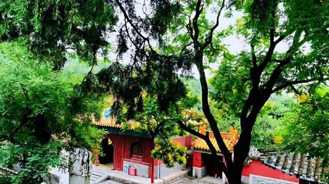法海寺位于北京石景山区模式口翠微山南麓