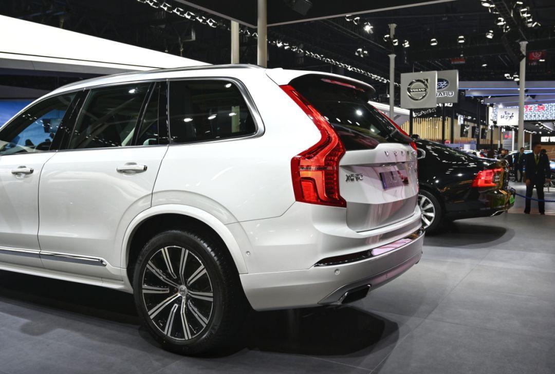 XC90成都车展刷存在感!换了格栅和后视镜颜色就叫中期改款?