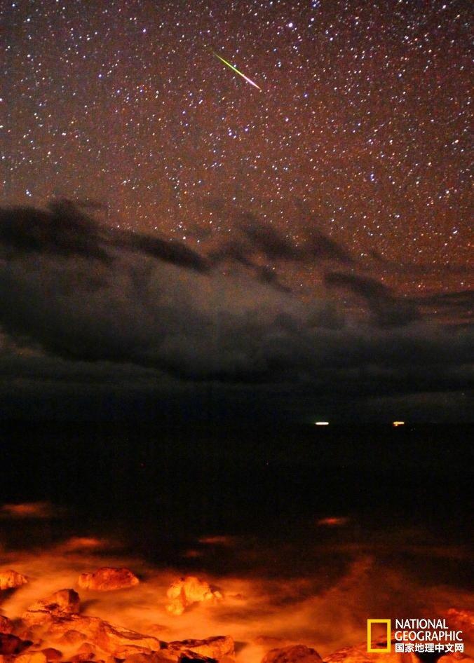 如果今晚,你那里天气好,就可能看见流星
