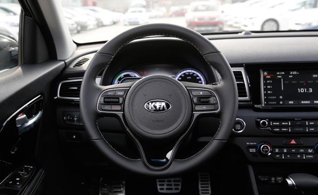 轴距2.7米的混动SUV,每公里油钱3毛,纯原装进口只卖15万