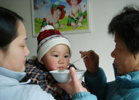 医生坦言:家长带孩子,若有这3个习惯,将来孩子难长高个!