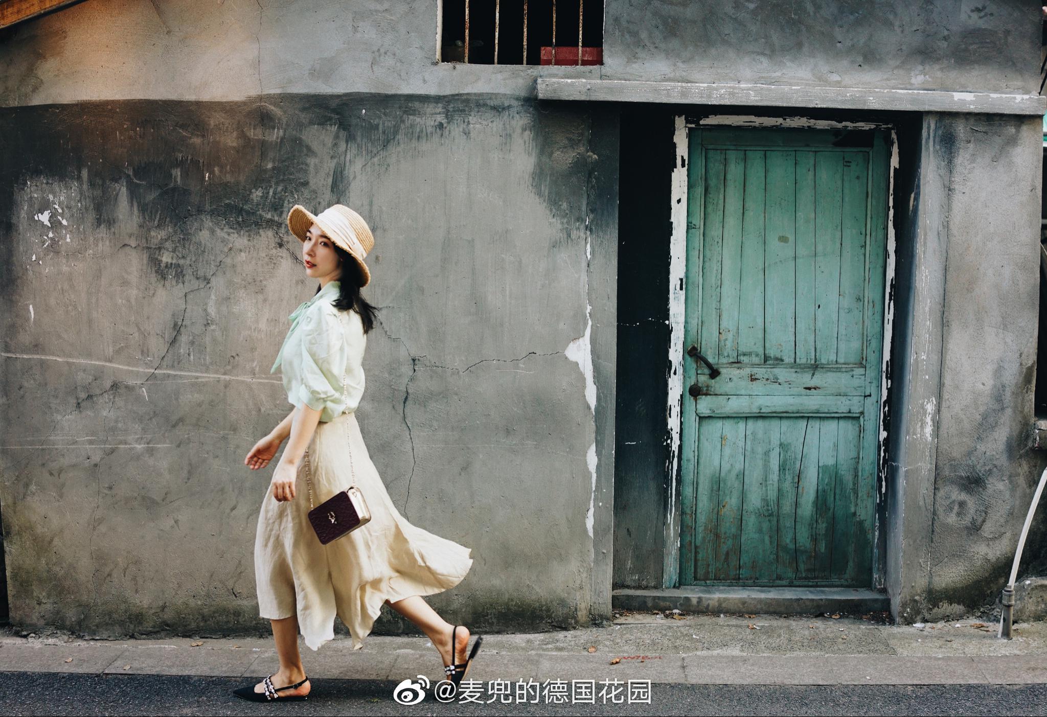 馒头山脚下的烟火气息蒲扇、灶台、晾衣架、绿植…老底子的杭州
