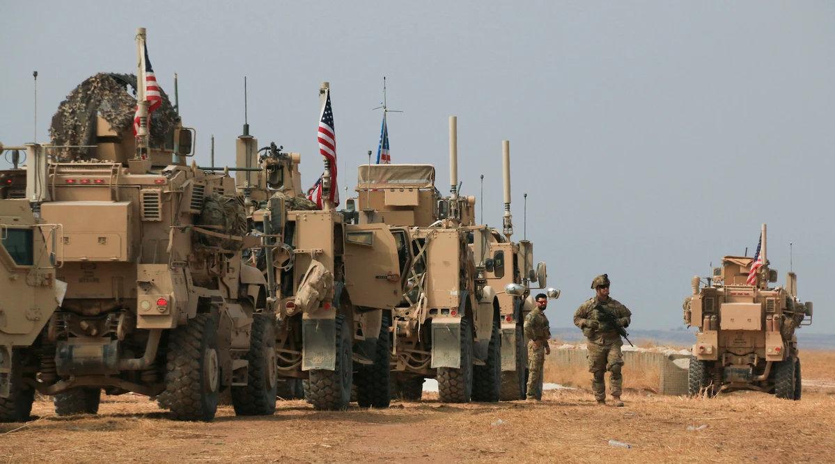 几十枚导弹升空后,驻叙美军终于开始行动了,紧急从油田火速撤离