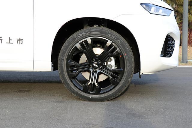 豪华升级更安全 试驾WEY VV7升级款