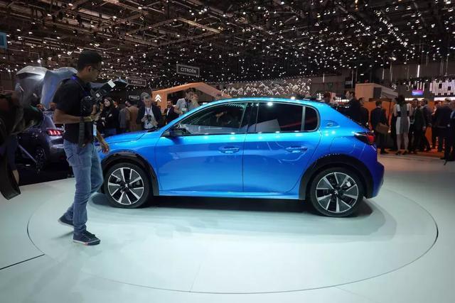 标致208 VS 雷诺CLIO:就在欧洲做一款小而美的车就好