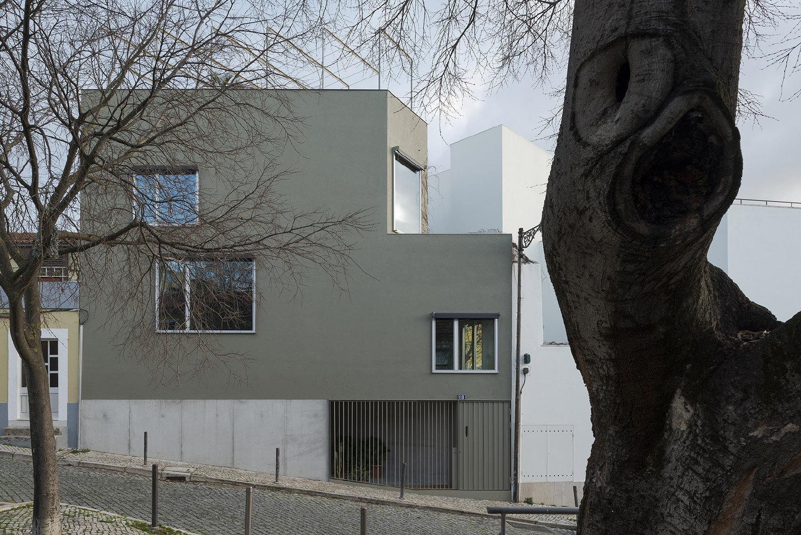 葡萄牙里斯本,三角形住宅,在47㎡场地上打造自由空间(建筑设计