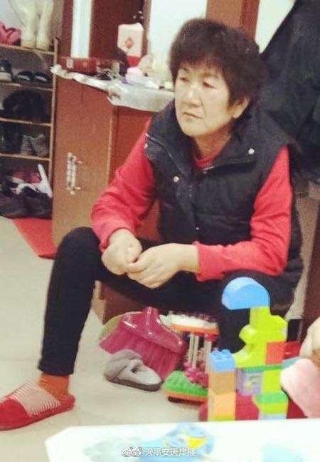 王侠(别名:王丽),女,51岁,身高163cm