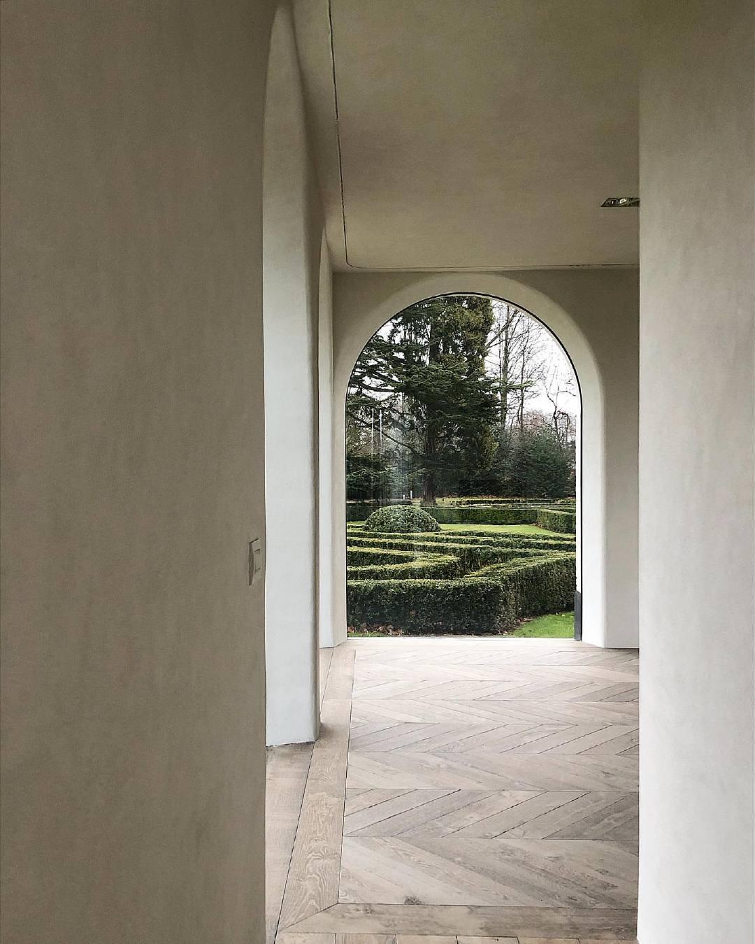 建筑师Benoit Viaene总是以严肃的崇高去创造空间,生活即是艺术