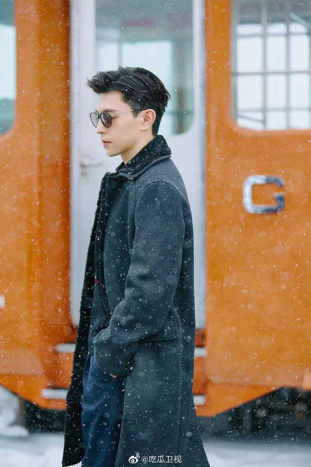 邓伦雪中大片,是今年第一位拍摄雪景的艺人吗