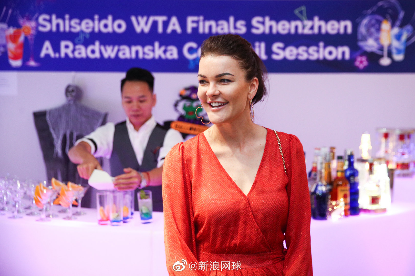 深圳总决赛,A-拉德万斯卡出席粉丝见面会: