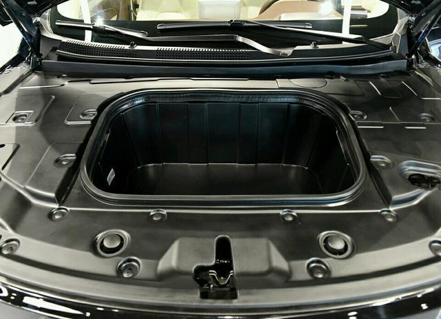 国产最时髦的电动车!内饰不输特斯拉,卖15万必火。