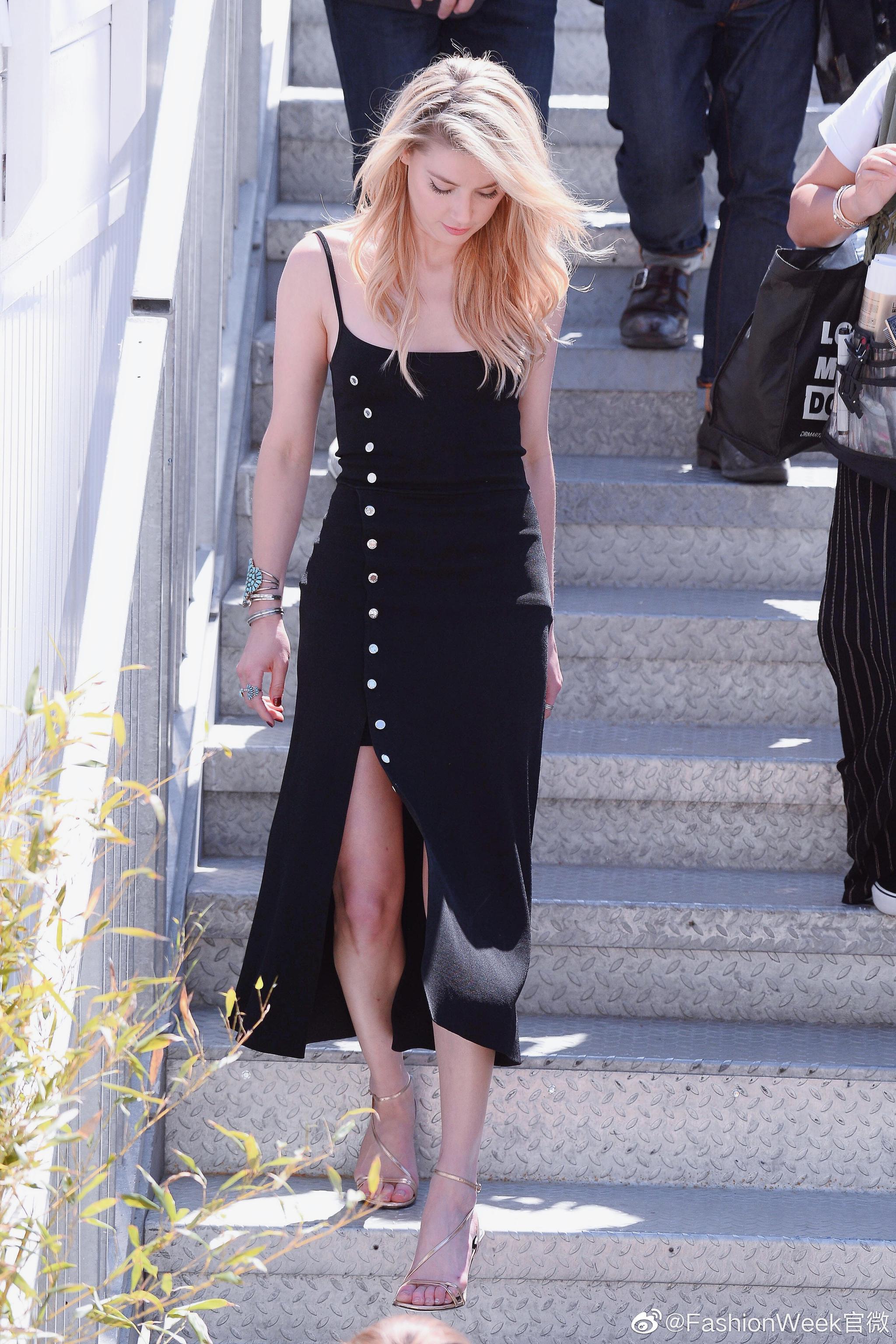 Amber Heard在戛纳电影节街拍