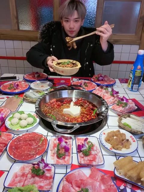 陈赫火锅店招牌牛杂大胃王韩文龙