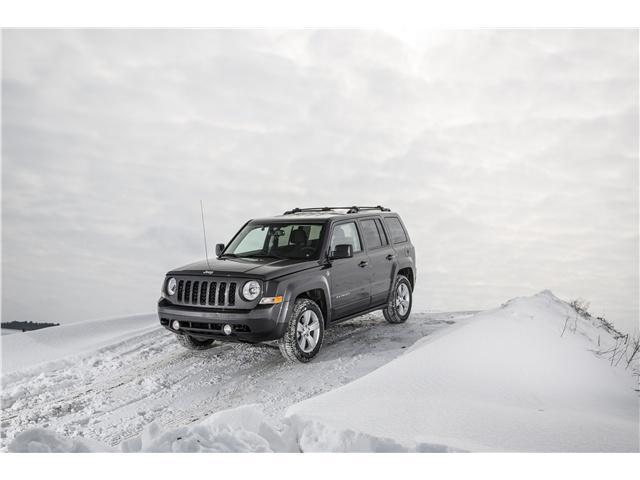 硬派越野车Jeep自由客,国外只是穷人的选择