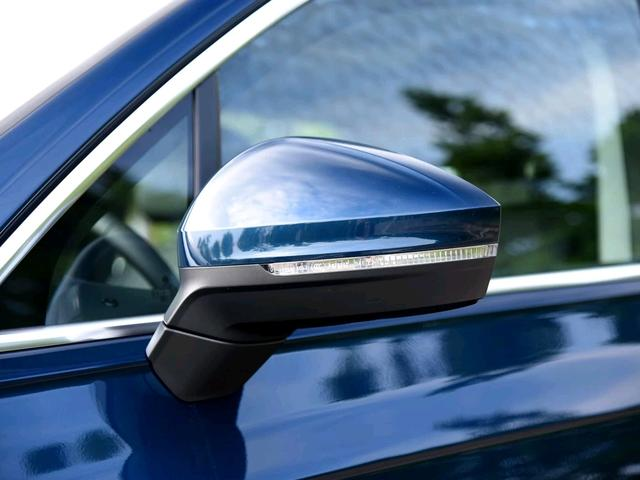 开这款车的才是懂车人,与宾利添越同平台,标配空悬四驱性能一流