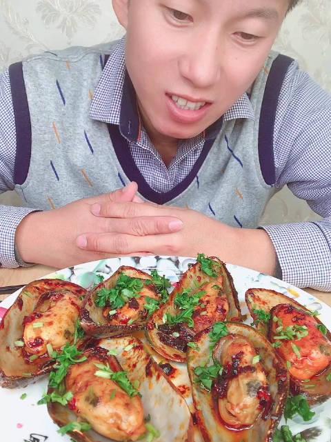 吃海鲜的宝贝,可以看置顶,我看我自己做菜都上火,可咋整!
