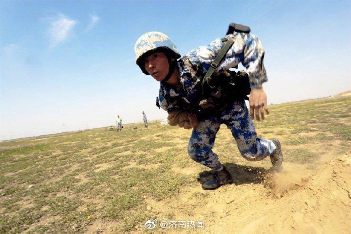 没有什么岁月静好,只不过有人替你负重前行。致敬,中国军人!