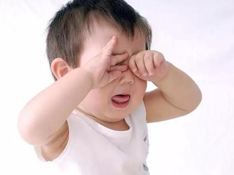 """宝宝爱哭闹怎么办?三岁前宝宝的这9个""""坏毛病""""不用管"""