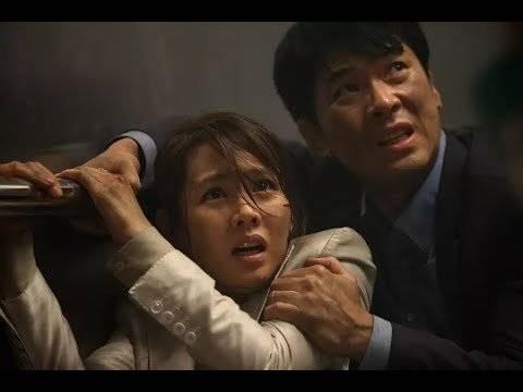 一部震撼的好莱坞大片,灾难暴露了真实的人性,值得深思!