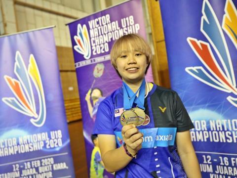 大马U18青年羽球赛独得双冠威尽全场萧紫萱今年要拼尽