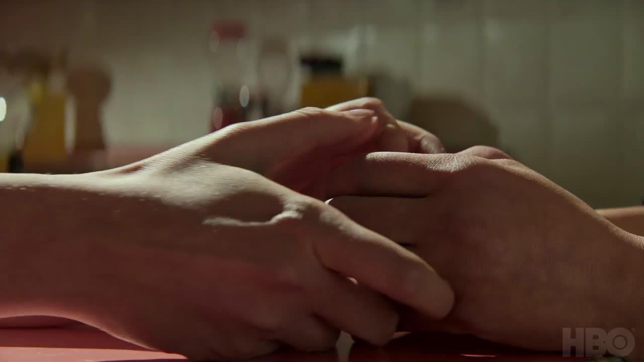 """HBO 根据埃琳娜·费兰特的原作""""那不勒斯四部曲""""改编制作的剧集终于"""