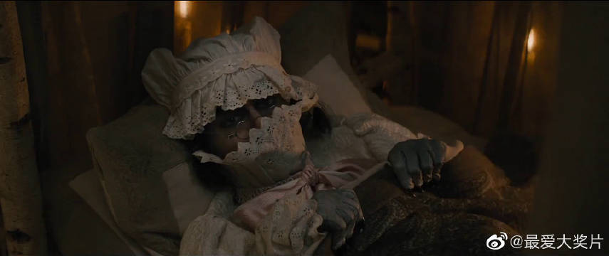 魔法黑森林: 面包师杀大灰狼获意外礼物,献吻小红帽遭嫌弃。