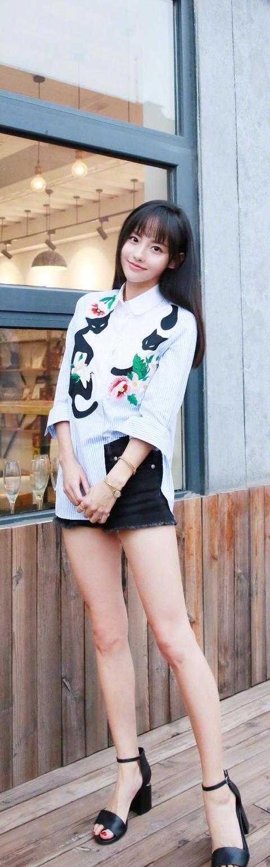 邓家佳毛绒外套配纱裙甜美可爱,张嘉倪牛仔短裙倒着穿意外时尚 牛仔搭配 3