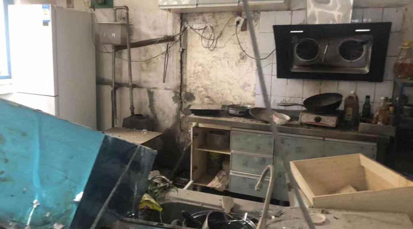 突发!济南天桥区一居民家中煤气爆炸,一人受伤有生命危险