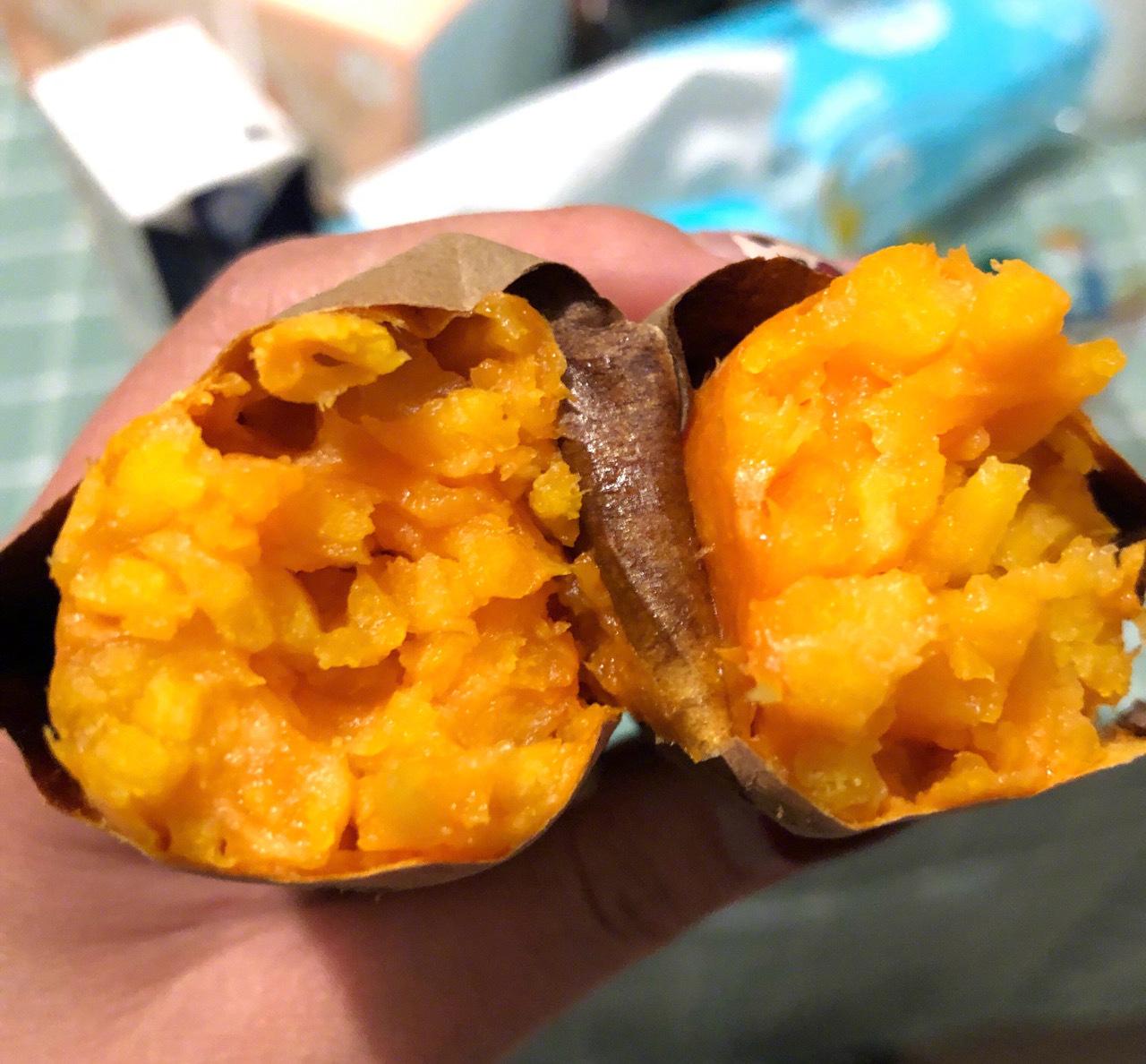有多少跟我一样喜欢吃烤红薯的举个爪!