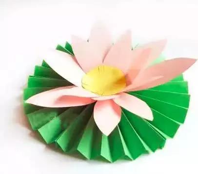 简单易上手的荷花手工制作步骤,和小编一起玩剪纸吧!