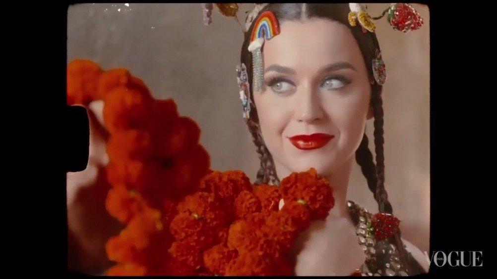 水果姐在孟买拍摄的Vogue India幕后花絮来啦