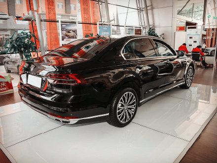 在辉腾离去之后 中国的豪华汽车市场竞争也越来越激烈 它的小弟 辉昂