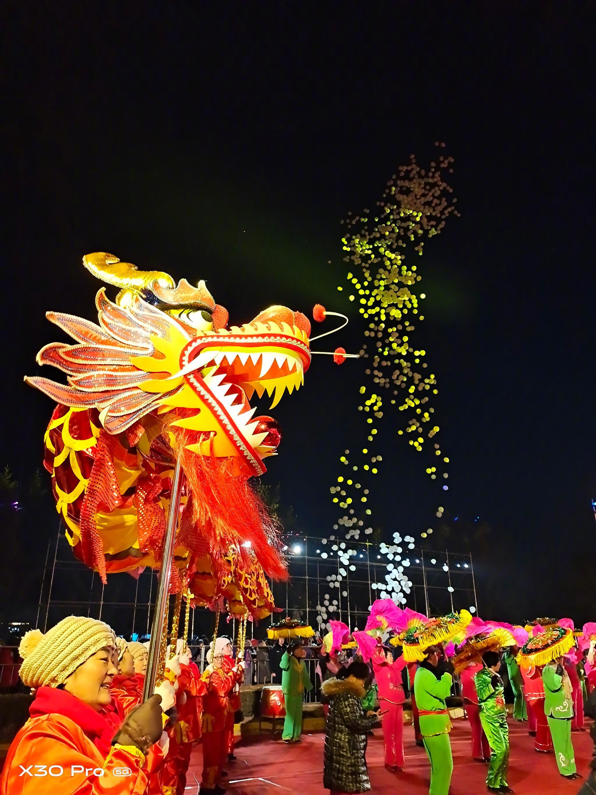 """""""年味中国,灯耀金普"""",大连金石滩灯会,今晚亮灯了"""
