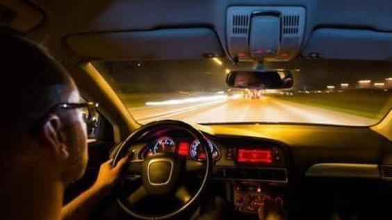 交通事故GIF警示录:一个不怕事的遇到一个不怕死的