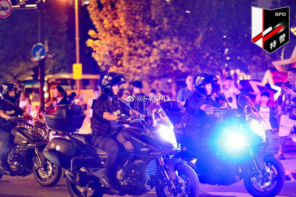 图为执行国庆70周年安保备勤任务的上海市公安局特警总队(SPD)突击