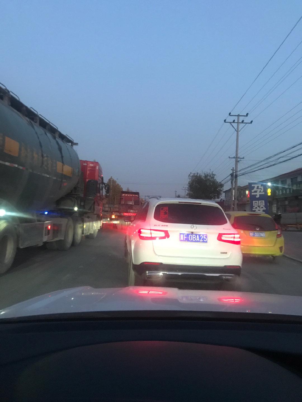 保定这个路段每天下班时间堵堵堵死了