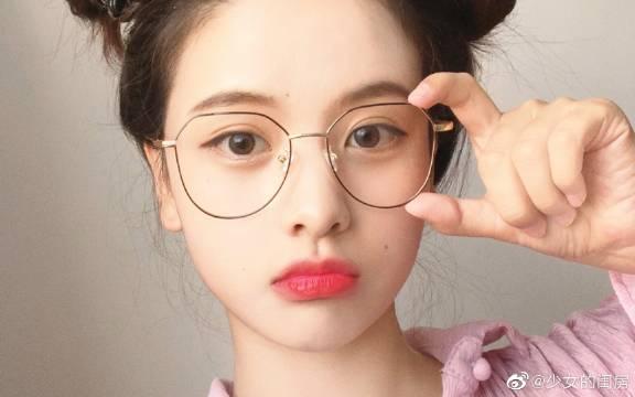 春季粉色蜜桃妆容 日系大眼妆容的小技巧,心机约会妆必备!