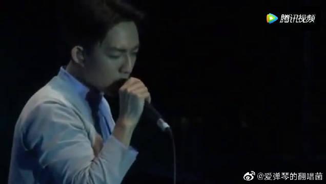 林宥嘉翻唱《突然想起你》秒杀王北车,这就是网红和歌手的差距!