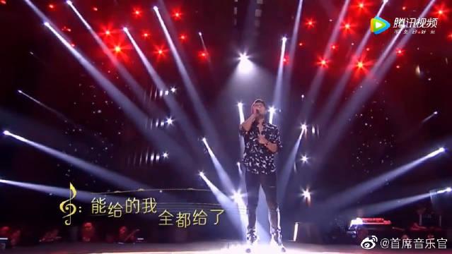 李玖哲深情演唱《心如刀割》,用悠然声线唱出爱情中的束手无策!
